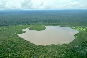 Lago-Tarapotón-en-amazonas