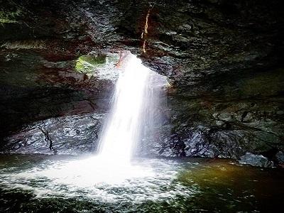 cueva-de-esplendor-en-el-jardin-antioquia